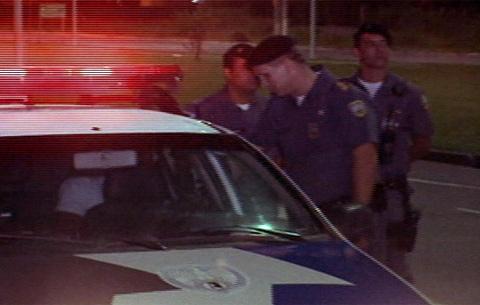 Câmera Record acompanha operação da polícia na Serra | Folha ...