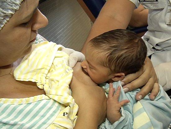 Técnicas ajudam mães com dificuldade de amamentar | Folha Vitória