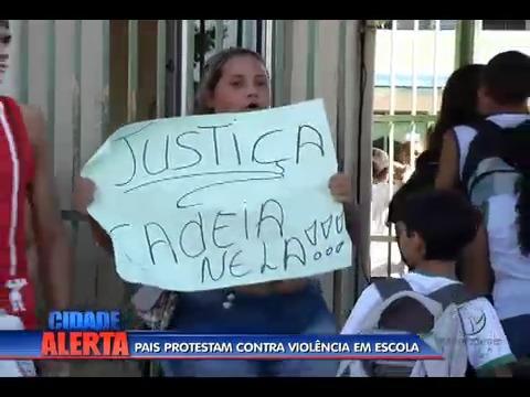 Pais protestam contra violência em escola | Folha Vitória