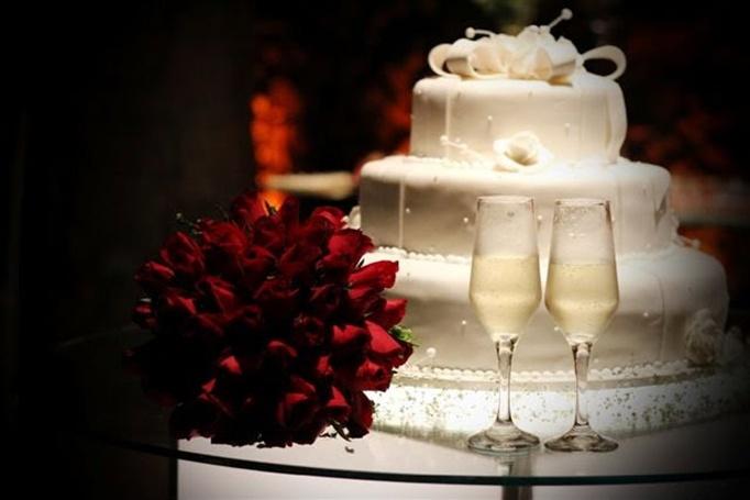 Bolo com champanhe op o tradicional econ mica e elegante de comemorar o casamento folha vit ria - Chique campagne ...