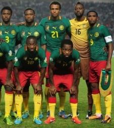 Atraso no voo adia chegada da seleção de Camarões para o meio ...
