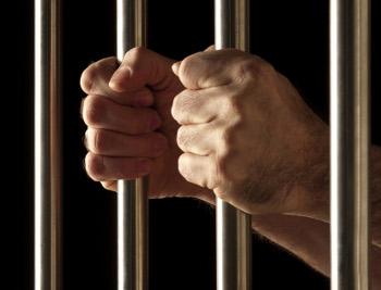 Sete detentos serram as grades e fogem de penitenciária em Viana ...