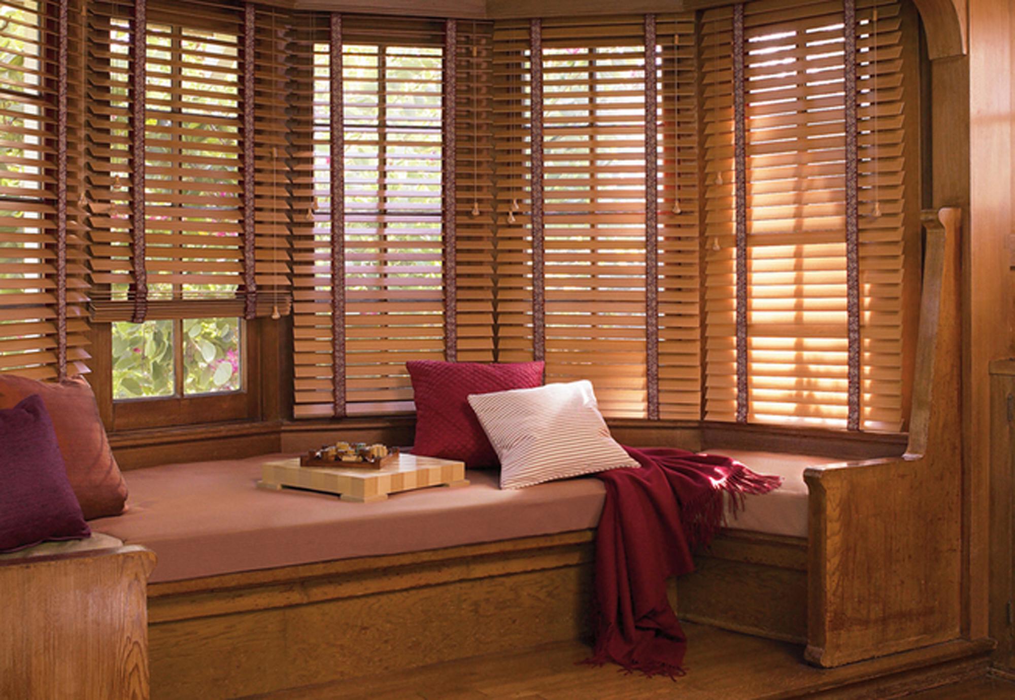 #411F14 Proteção e sofisticação para portas e janelas Folha Vitória 1206 Portas E Janelas De Madeira Em Vitoria Da Conquista