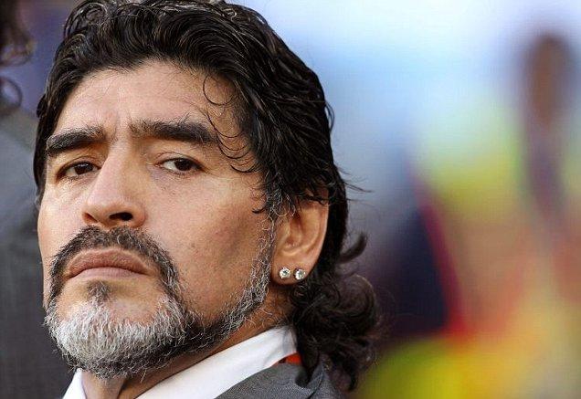 Maradona discorda de prêmios para Messi e Colômbia | Folha Vitória