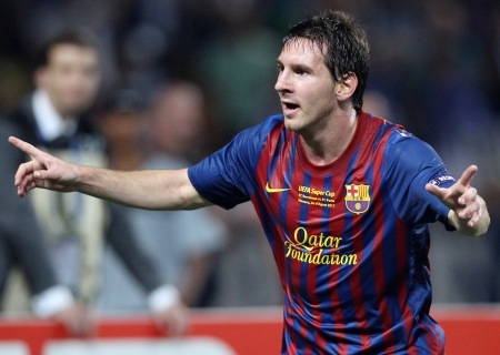 Messi faz três, Barça goleia o Rayo e bate recorde de invencibilidade
