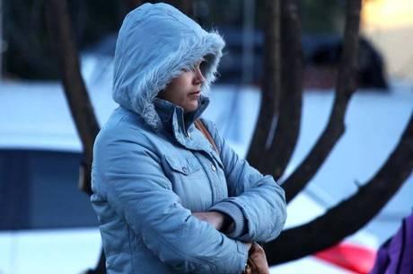 Vitória pode ter recorde de frio e temperatura deve chegar a 16°C ...