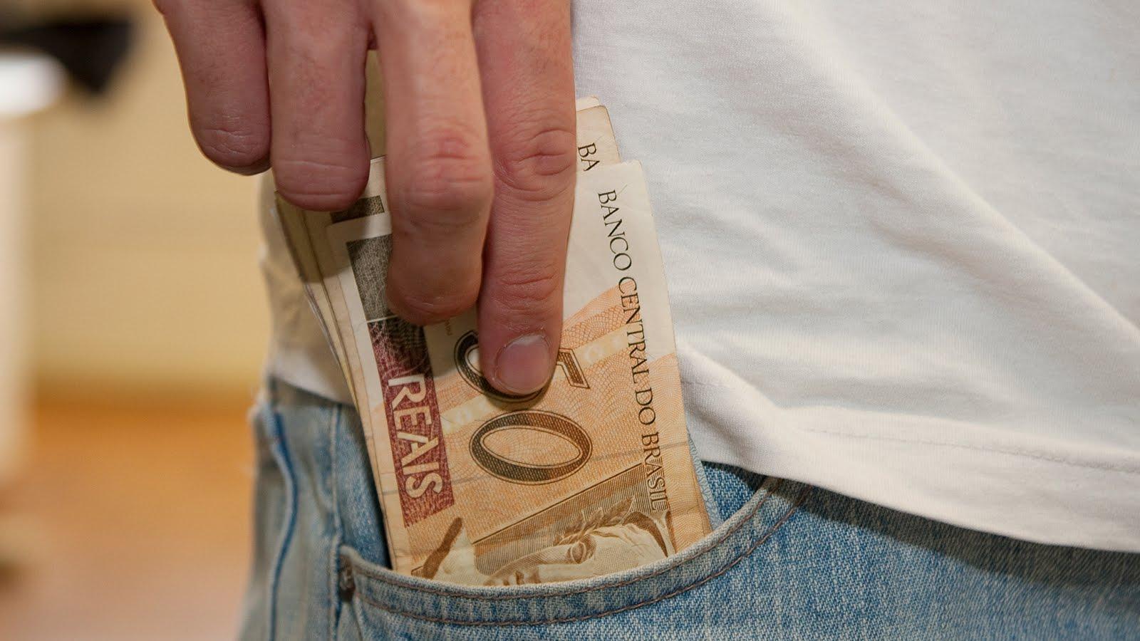 Vantagens e desvantagens de receber restituição no 1º lote do ...