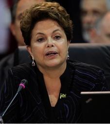Dilma parte para o ataque contra Marina