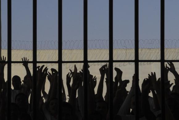 Beneficiados com a saída para o Dia dos Pais, 57 detentos não ...