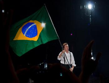 Por onde Paul passou, no Brasil, uma legião de fãs lotou os estádios (Crédito: Eduardo Nicolau/Estadão Conteúdo)