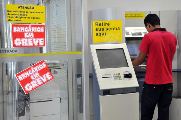 Resultado de imagem para Bancos Greve