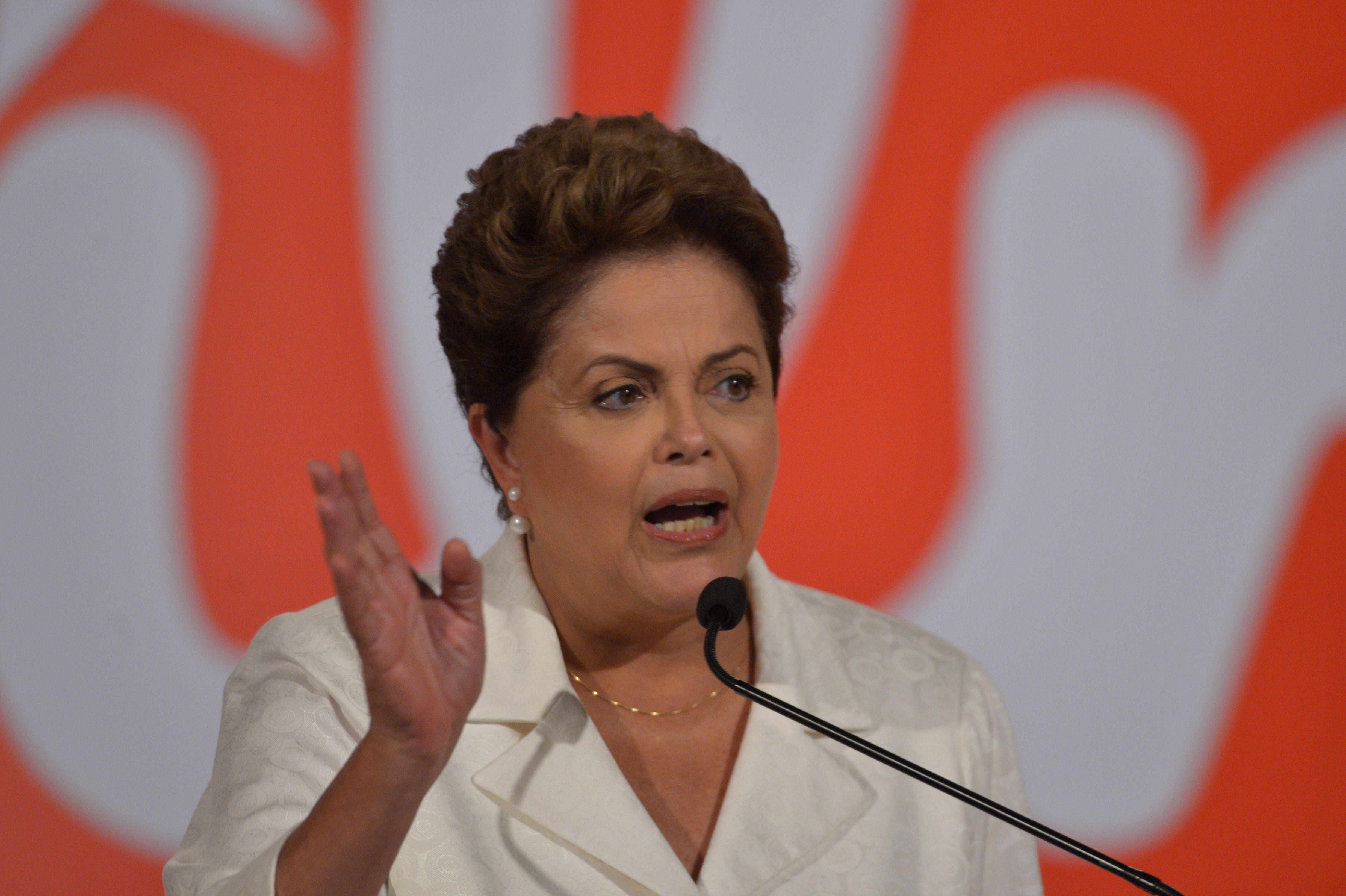 Ibope: Dilma abre vantagem e tem 54%; Aécio tem 46% | Folha Vitória