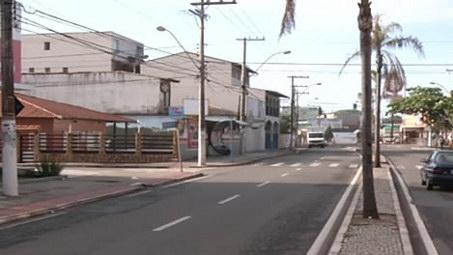 Dono, funcionários e dois clientes de lanchonete são feitos reféns durante assalto na Serra