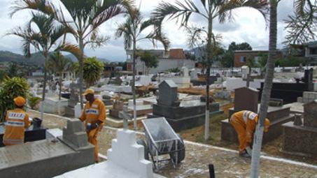 Cemitérios da Grande Vitória funcionarão em horário especial para o Dia de Finados