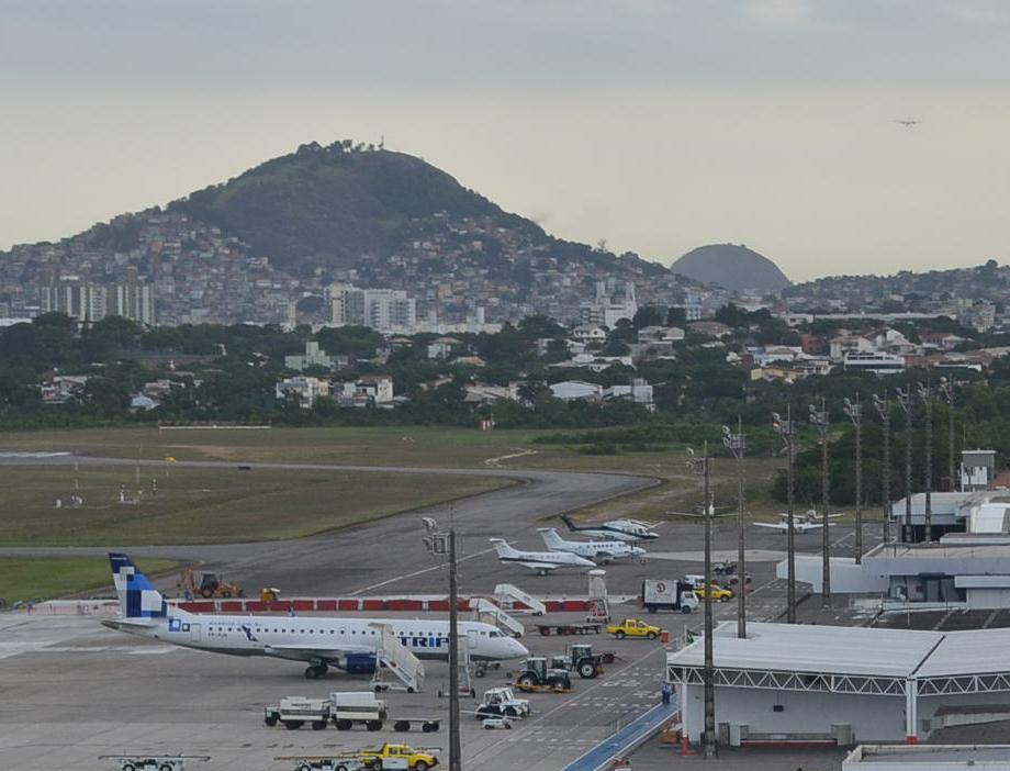 Aeroporto De Vitoria : Sinal verde para o es homologada licitação obras no