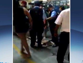 Barraco no terminal: menina é espancada por três adolescentes por ...