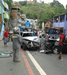 Grave acidente deixa motorista ferido