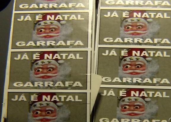 """""""Já é Natal"""" no Morro da Garrafa: megaoperação prende oito e ..."""