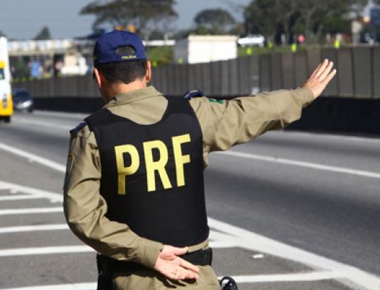 Grave acidente deixa cinco feridos e um morto na BR-101, em São ...