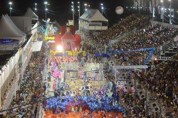 Carnaval no Brasil começa em Vitória e torna a folia uma das ... - Folha Vitória