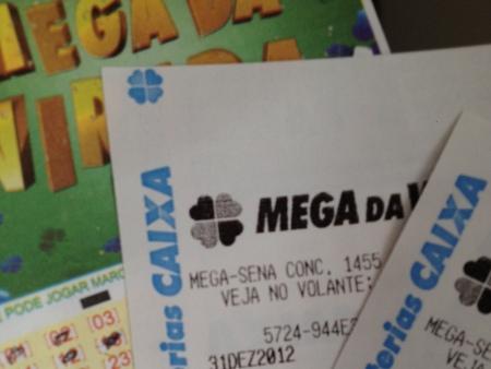 Mega da Virada sai para quatro apostadores. Confira as dezenas ...