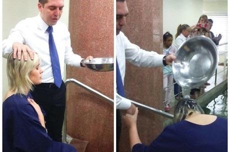 Andressa Urach é batizada em igreja evangélica | Folha Vitória