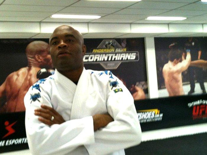 Médico revela que Anderson Silva está chateado e crê que lutador ...