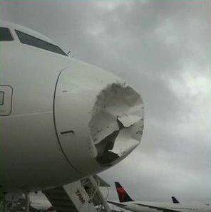 Tempestade de granizo provoca pouso forçado de voo da TAM ...