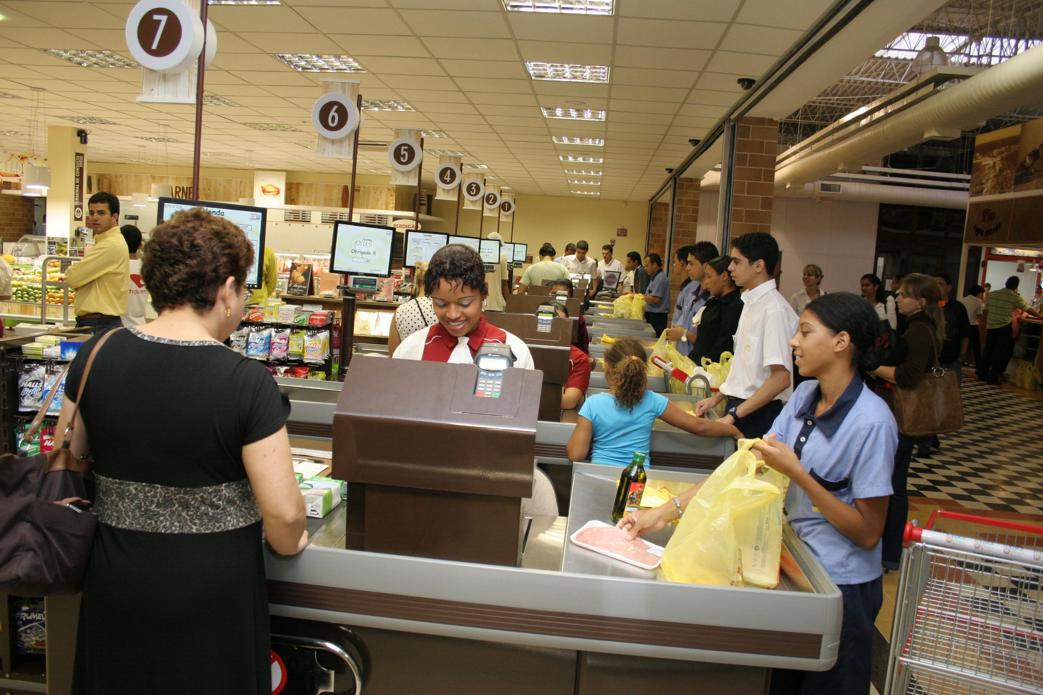 Supermercados abertos no domingo de Carnaval. Veja o que ...
