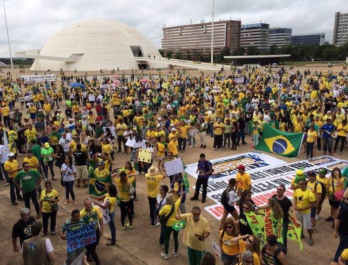 Organizadores falam em 50 mil manifestantes reunidos na ...