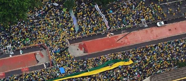 E agora, Dilma? Manifestações contra o Governo tomam conta do ...