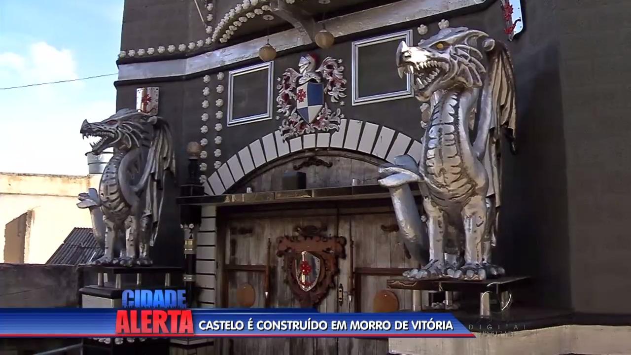 Castelo é construído em morro de Vitória | Folha Vitória