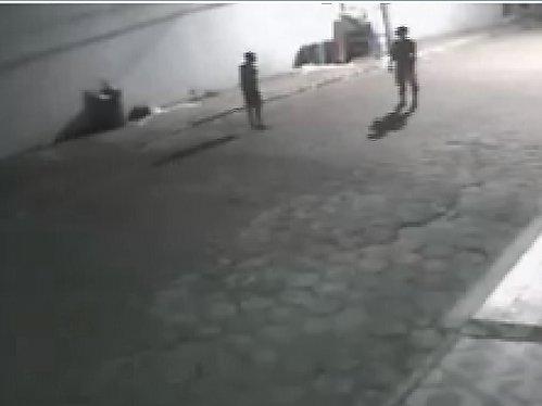Homem é morto a pedradas e câmeras de segurança flagram o ...