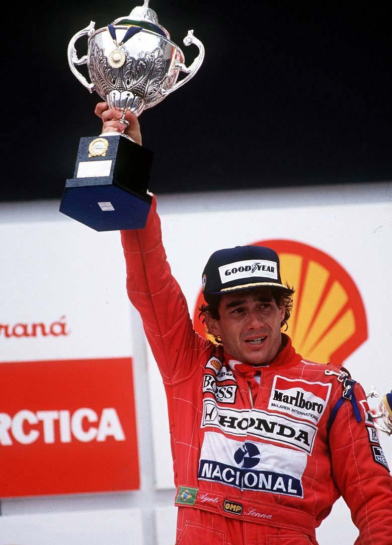 Título polêmico de Senna e última dobradinha do Brasil na F1 ...