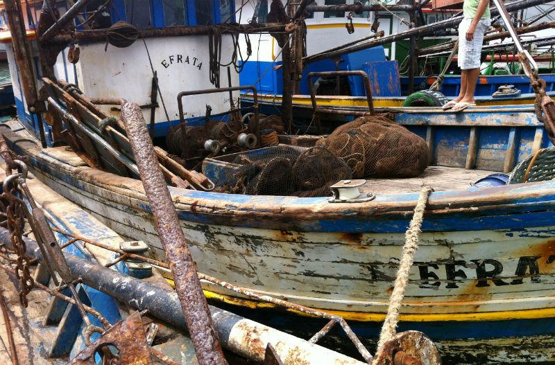 Barco de deputado é apreendido e lacrado pelo Ibama por pescar ...