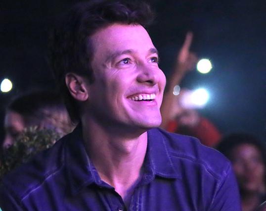 Rodrigo Faro realiza sonho e canta com Zezé Di Camargo e ...
