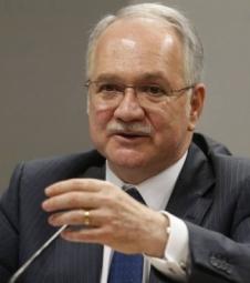 Luiz Edson Fachin é nomeado ministro do STF