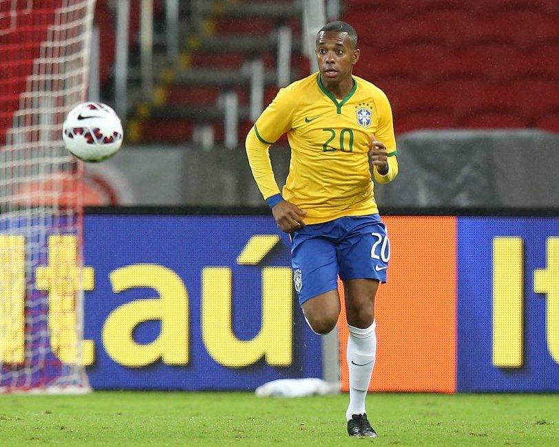 Sem Robinho, Palmeiras faz coletivo com Zé Roberto entre os titulares