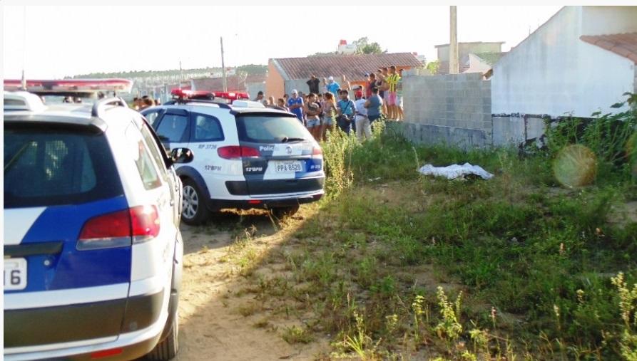Jovem é morto a pedradas e corpo é encontrado em terreno baldio ...