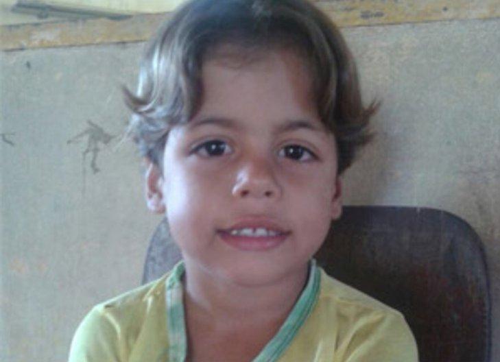 Menino de quatro anos é morto a pauladas por adolescente | Folha ...