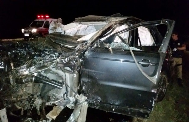 Sertanejo Cristiano Araujo e namorada morrem em grave acidente ...