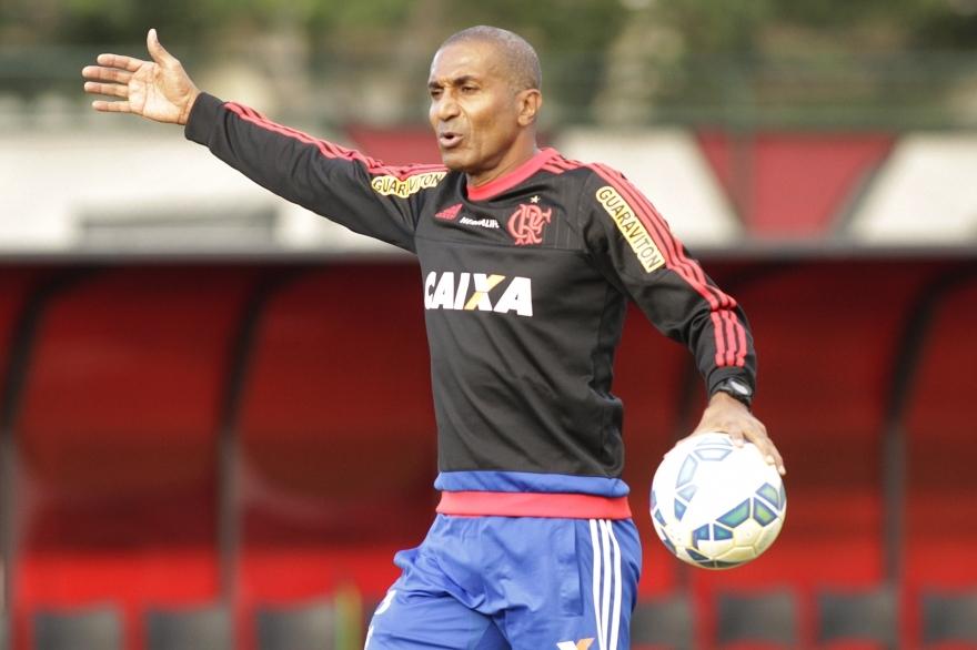 Cristóvão diz entender ira da torcida e promete: ' Flamengo vai reagir'