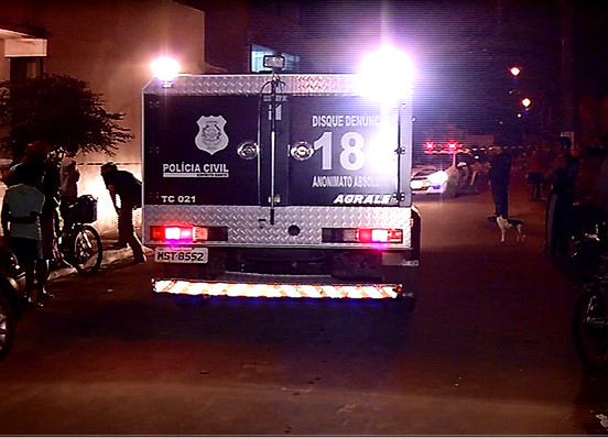 Homem não identificado é assassinado a pedradas em Vila Velha ...
