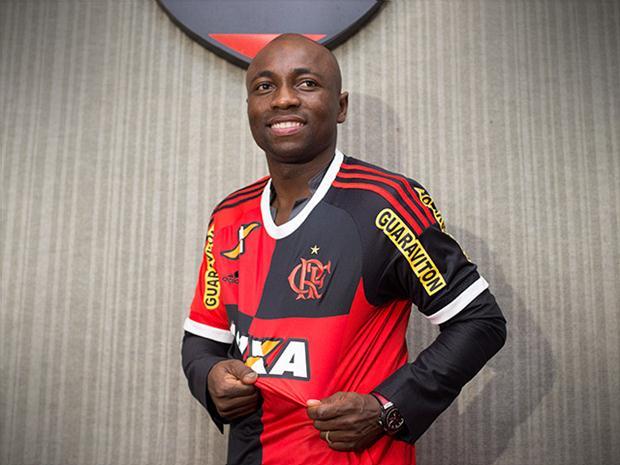 Armero treina no Flamengo e Emerson Sheik deixa atividade após ...