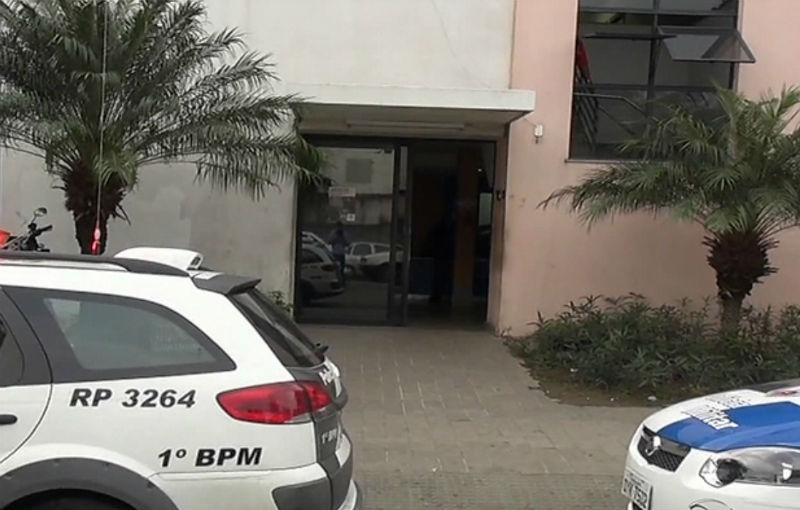 Homem é preso após bater em trailer de lanches com carro roubado ...