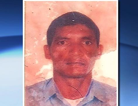 Homem é assassinado com mais de 30 facadas na Serra   Folha ...
