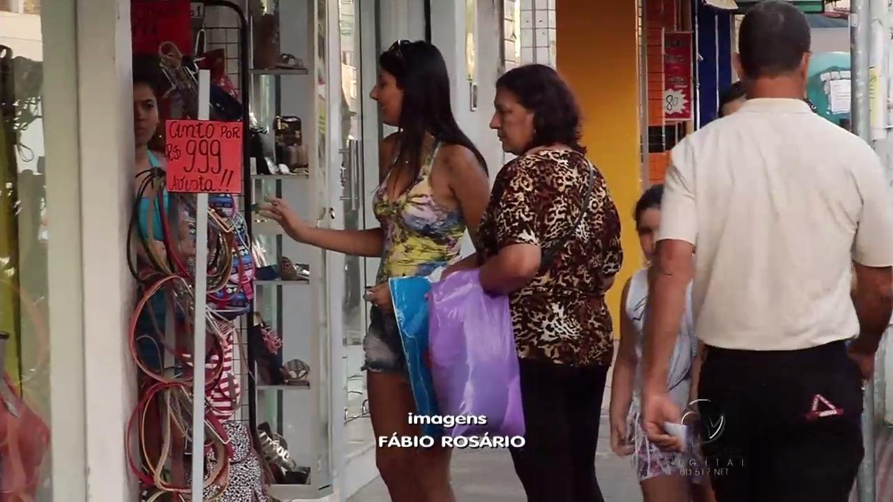Capixaba ' pechincha' em busca do menor preço | Folha Vitória