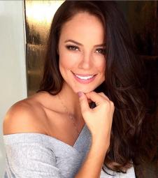 Paola Oliveira se sente sexy até de pijama