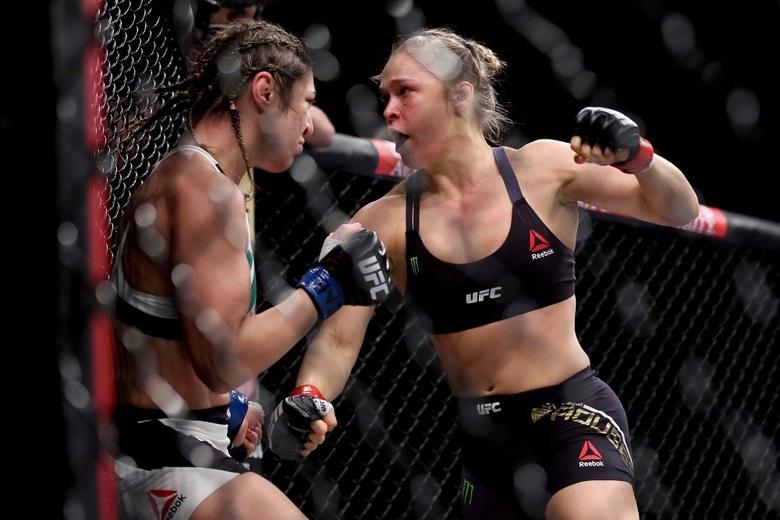 Ronda Rousey nocauteia Beth Correia em 34s e confirma ser a ...