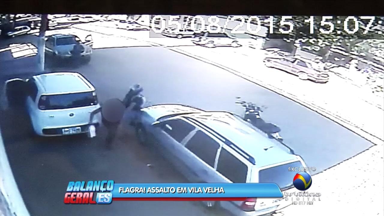 Câmeras flagram momento de assalto em Vila Velha | Folha Vitória